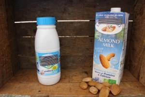 épicerie lait de vache vs lait d'amande